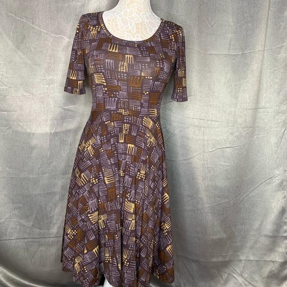 LuLaRoe Dresses & Skirts - LULAROE MUTED PURPLE DRESS
